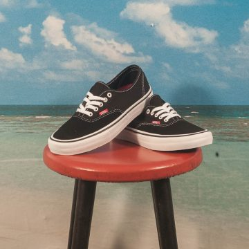 Vans - Authentic Pro - Black / True White