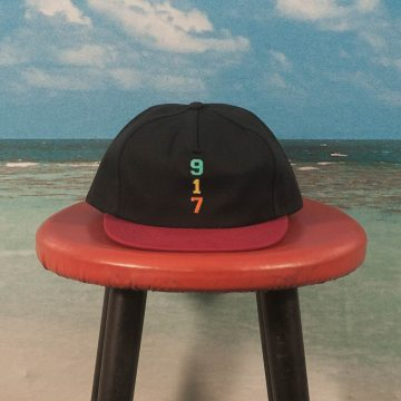 Call Me (917) - Genny´s Hat - Black / Red