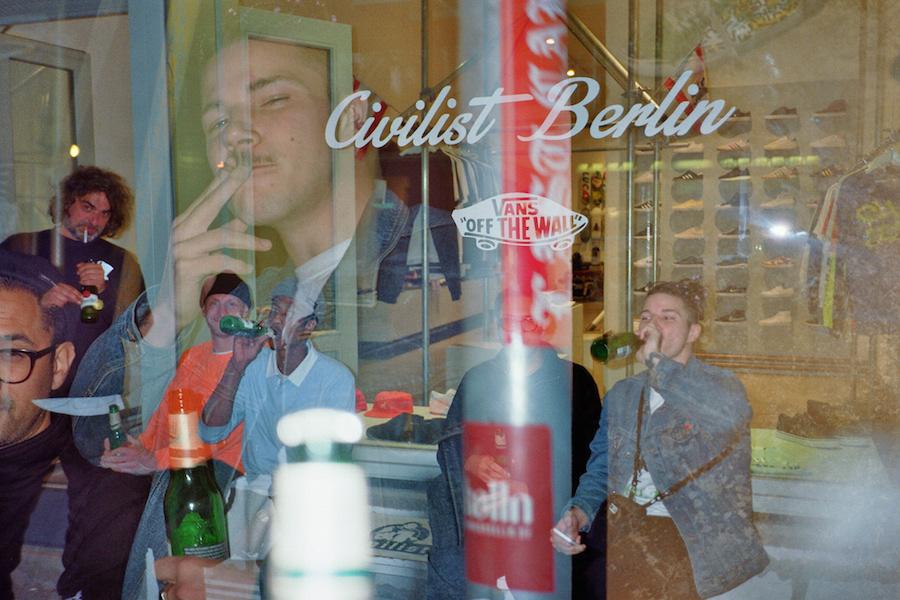 vans x civilist blurred night in berlin blog shrn skateshop m nchen. Black Bedroom Furniture Sets. Home Design Ideas